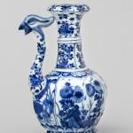 A CHINESE BLUE AND WHITE PHOENIX HEAD EWER, Kangxi (1662-1722)