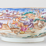 A CHINESE EXPORT HUNTING SUBJECT PUNCH BOWL, Qianlong (1736 – 1795)
