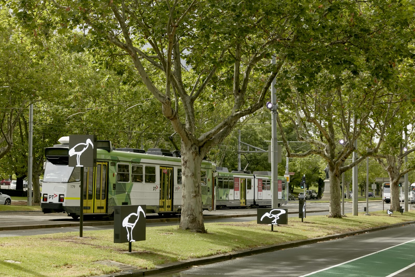 <p>Julian Opie,<em>Australian birds.</em>, 2020, on display at the NGV Triennial 2020, Melbourne. Commissioned by the National Gallery of Victoria and the City of Melbourne.</p>