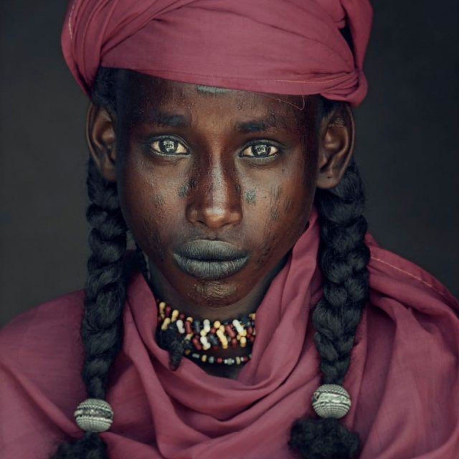 Jimmy Nelson  Angelo, Soedoe Soechay, Gerewol, Bossio, Chad, 2016  Archival Print  Image size 60 x 48 cm  Framed size 79 x 67 cm  Edition of 9 plus 2 artist's proof