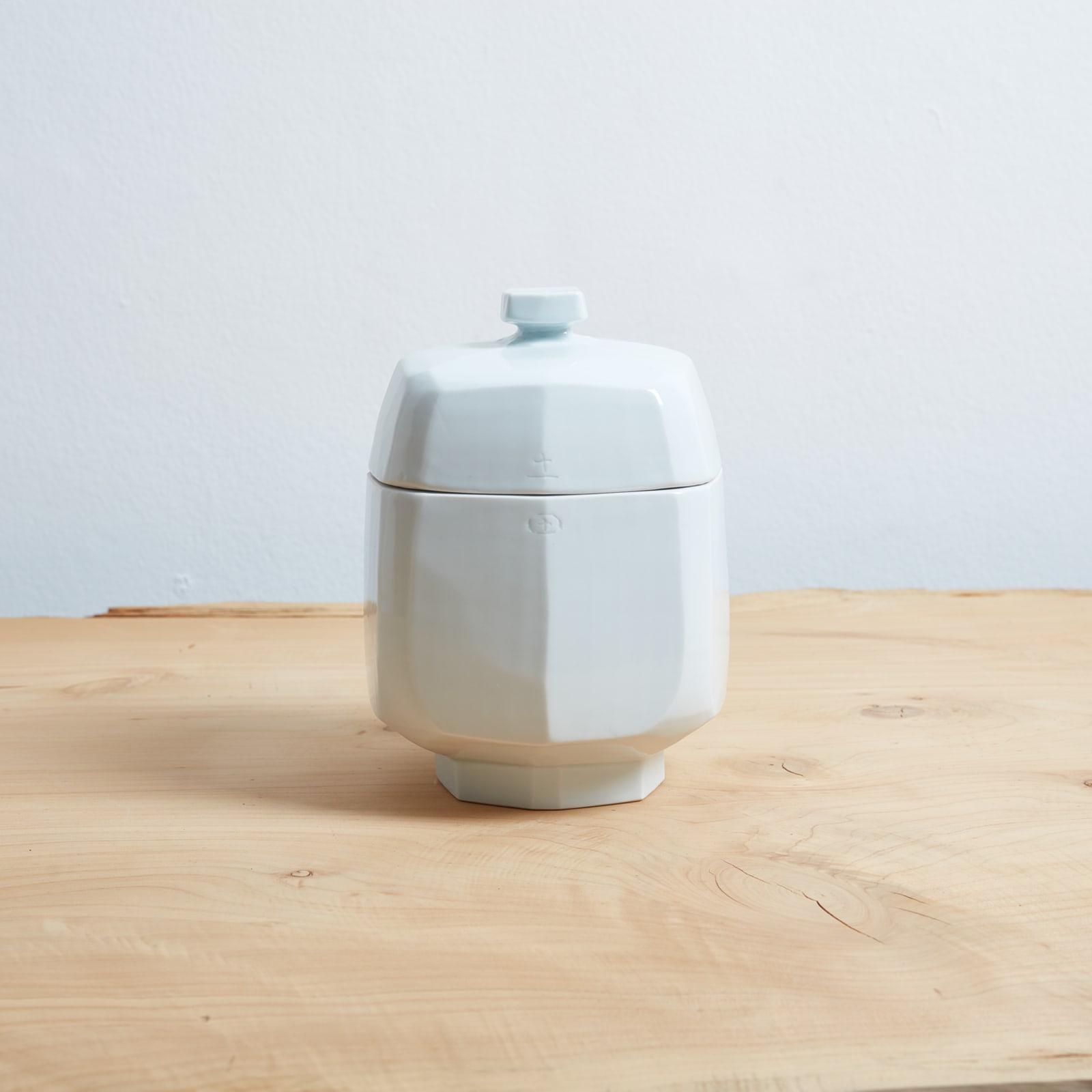 Kim Yikyung  Hap , 2016  White porcelain  23 x 17 x 17 cm