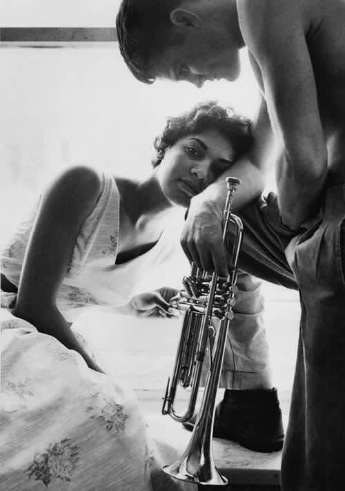 William Claxton, Halima & Chet Baker, Redondo Beach, 1955