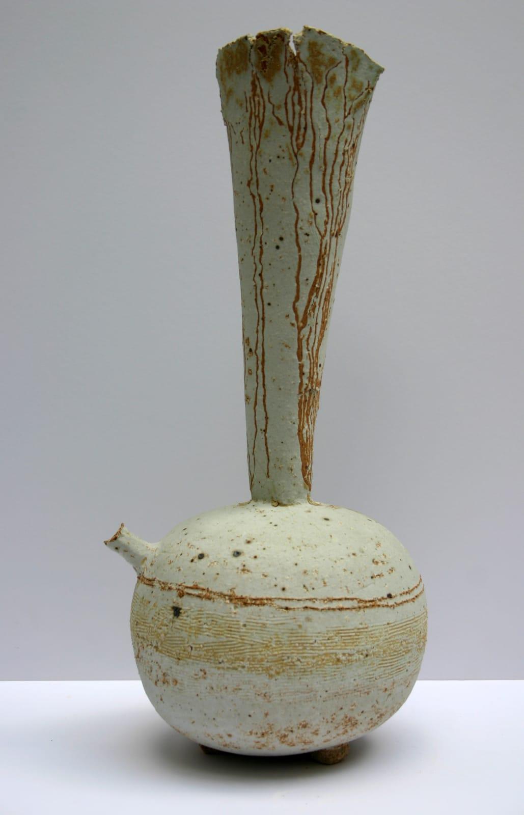 Jane Wheeler, Spouted Tripod Vessel, 2009