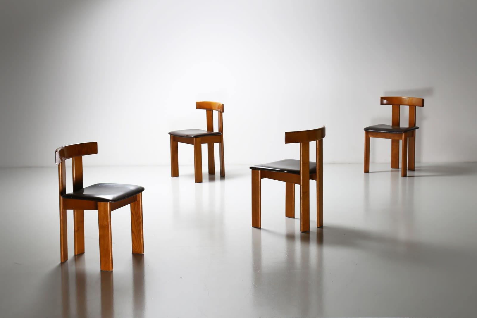 Luigi Vaghi, Set of four chairs