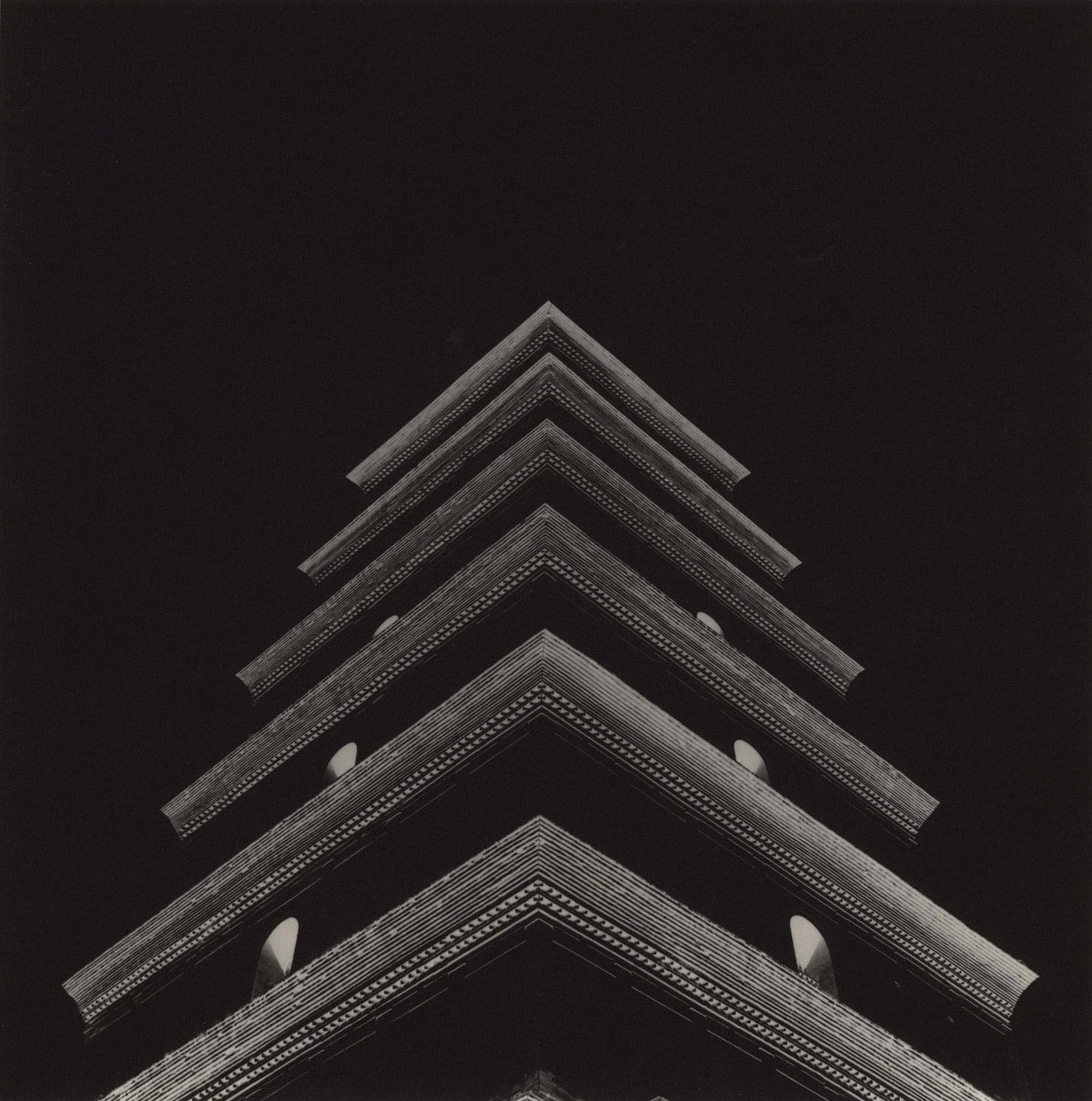 Lynn Davis, Great Wild Goose Pagoda (Tang Dynasty), Xi'an, China, 2001