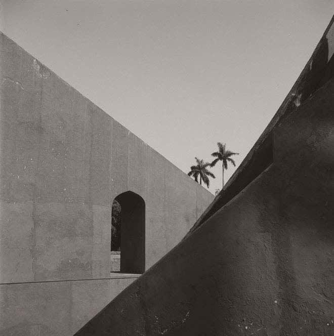 Lynn Davis photograph of Jantar Mantar, Delhi, India with two palm trees in background