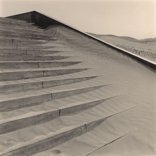 Lynn Davis, Cemetery Steps in the Taklimakan Desert, Dunhuang, China, 2001