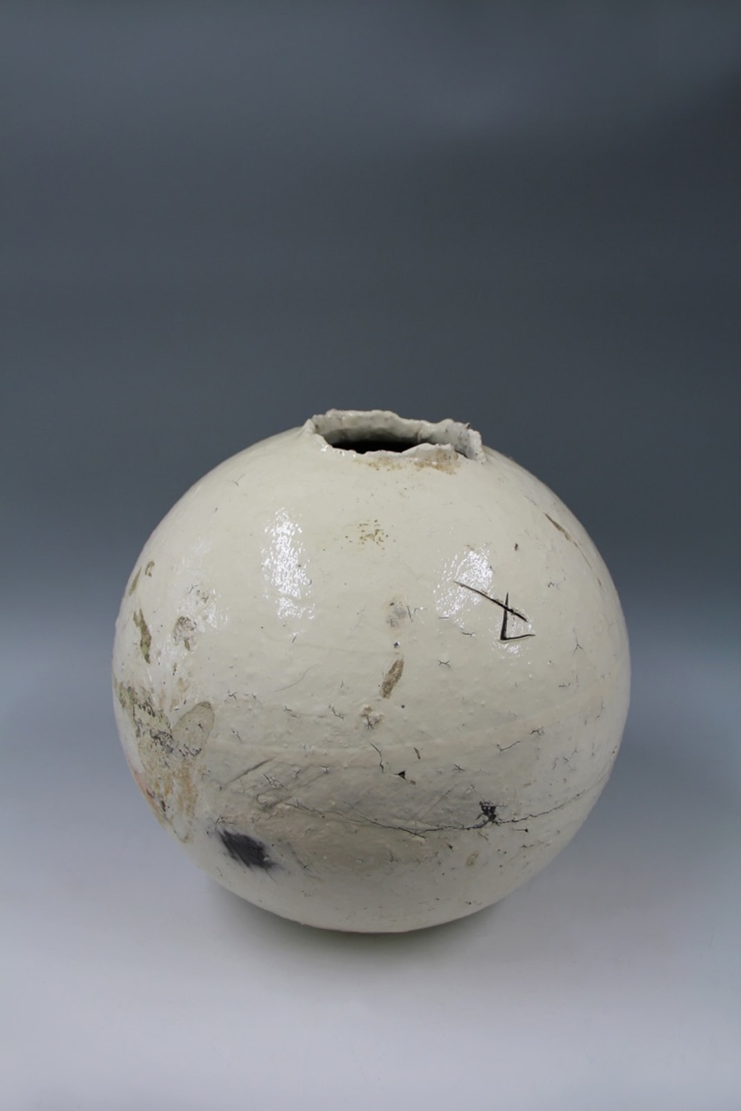 Shiro Tsujimura, Kohiki Sphere Vase