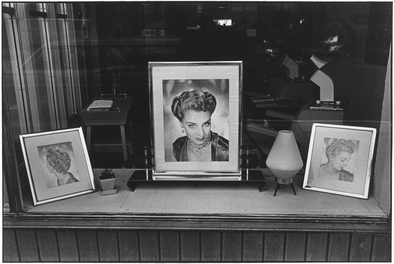 Tom Arndt, Beauty Shop, Minneapolis, Minnesota, 1970