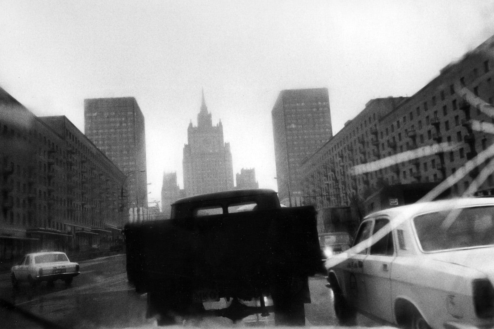 Jean-Christophe Béchet Moscou, URSS Tirage gélatino-argentique sur papier Kentmere, réalisé par l'artiste 26 x 36 cm Dim. papier: 30 x 40 cm