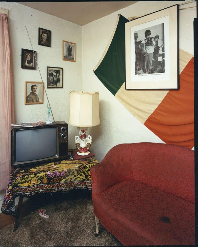 Bruce Wrighton, North Street interior with Irish flag (no dog), Binghamton, NY, 1986