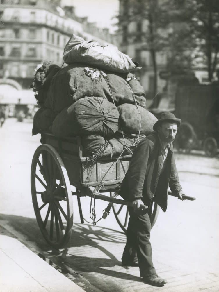 Eugene Atget, Avenue des Gobelins, 1901