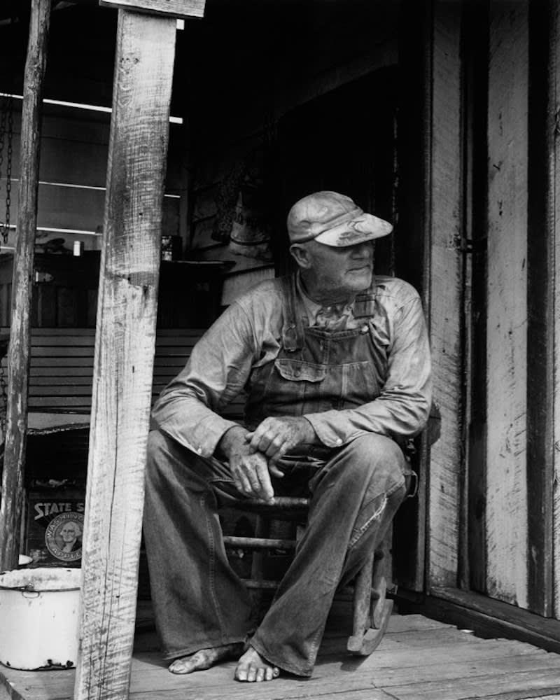 Berenice Abbott, Old Man on Porch, Georgia, 1954