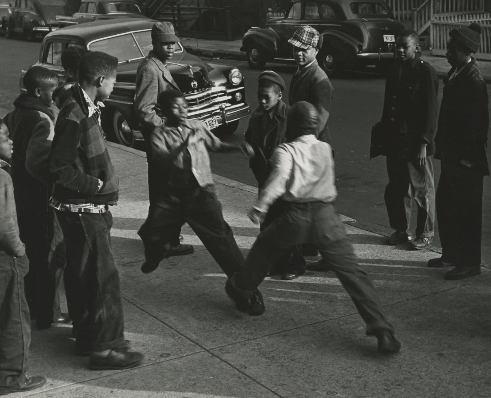 Marvin E. Newman, Children Fighting in Street, Chicago, 1950