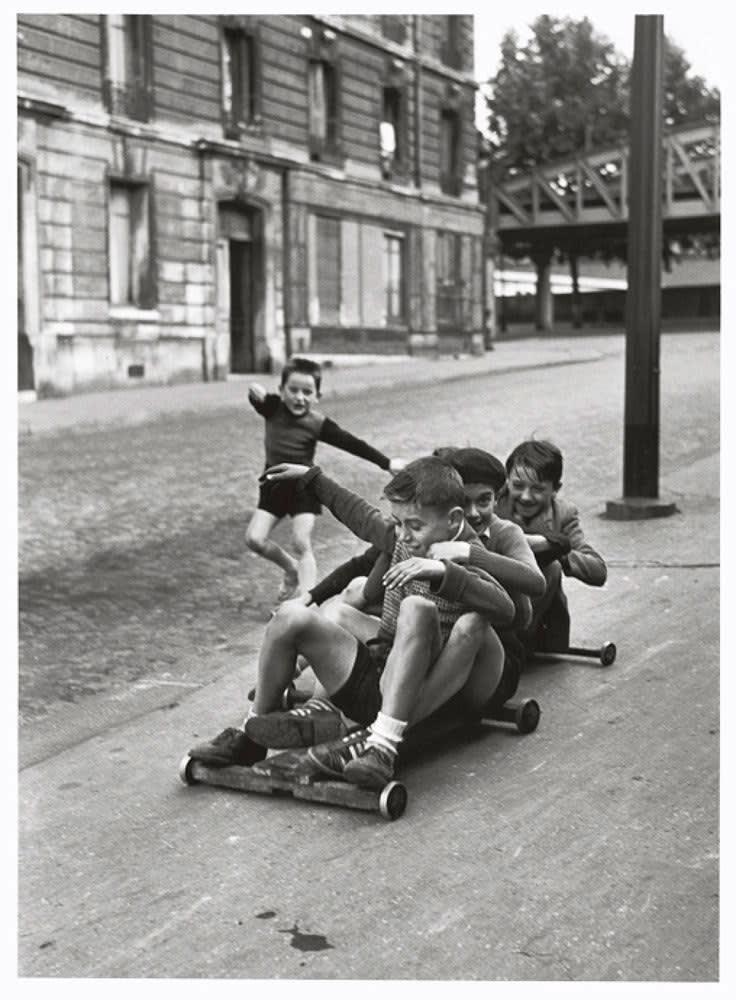 Sabine Weiss, Rue Flammand, Paris, 1952