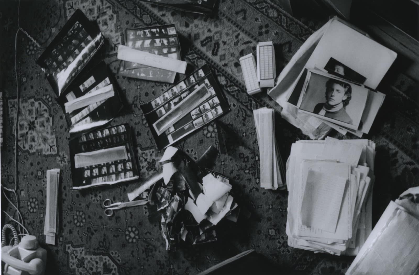 Hervé Guibert, Destruction des négatifs de jeunesse, rue du Moulin-Vert, 1987