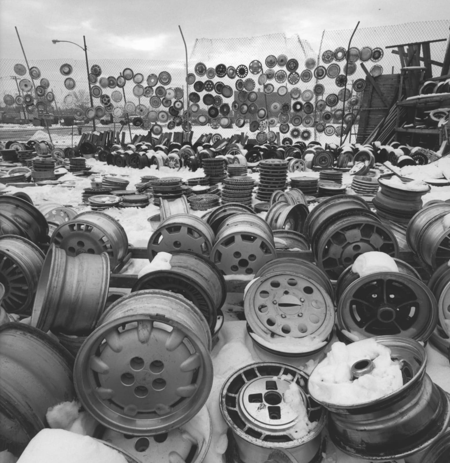 Ron Gordon, Wheels and hubcaps, old Maxwell Street market, 1991