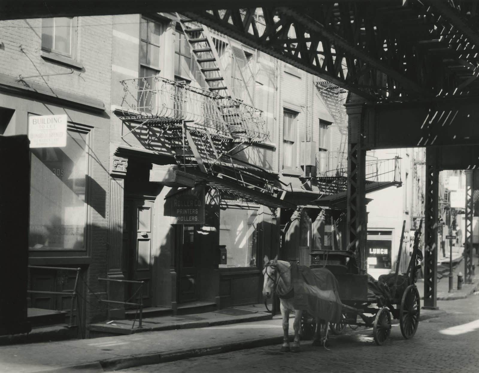 Berenice Abbott, Horse-drawn Carriage, New York, 1930