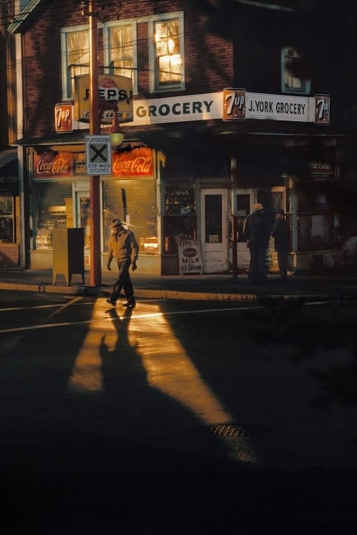 Fred Herzog, Crossing Powell, 1984