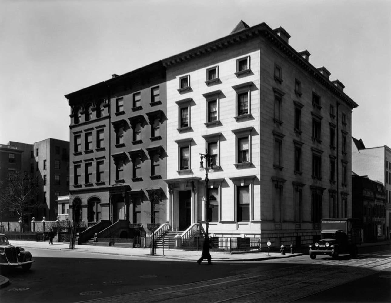 Berenice Abbott, Fifth Avenue Houses, No. 4, 6, 8, New York, 1936
