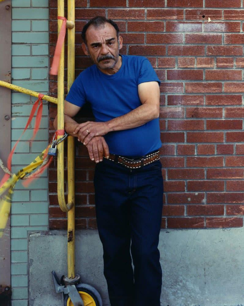 Bruce Wrighton Man at Scaffolding, Binghamton, NY Tirage C-print d'époque 20 x 25 cm Dim. papier: 20 x 25 cm