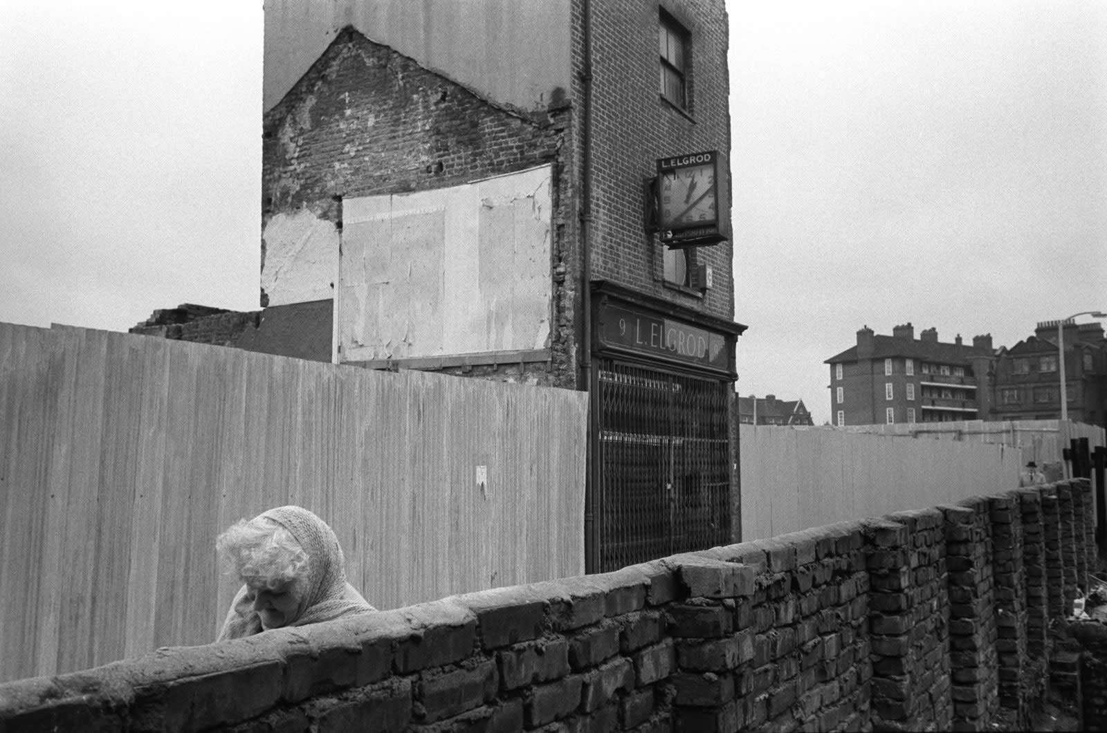 Homer Sykes, Poverty, Tower Hamlets Spitalfields, East London, 1975