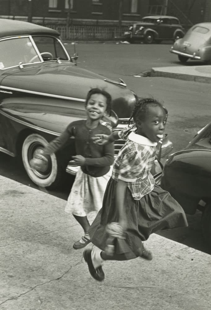 Marvin E. Newman, Girls Playing Jump Rope, Chicago, 1950