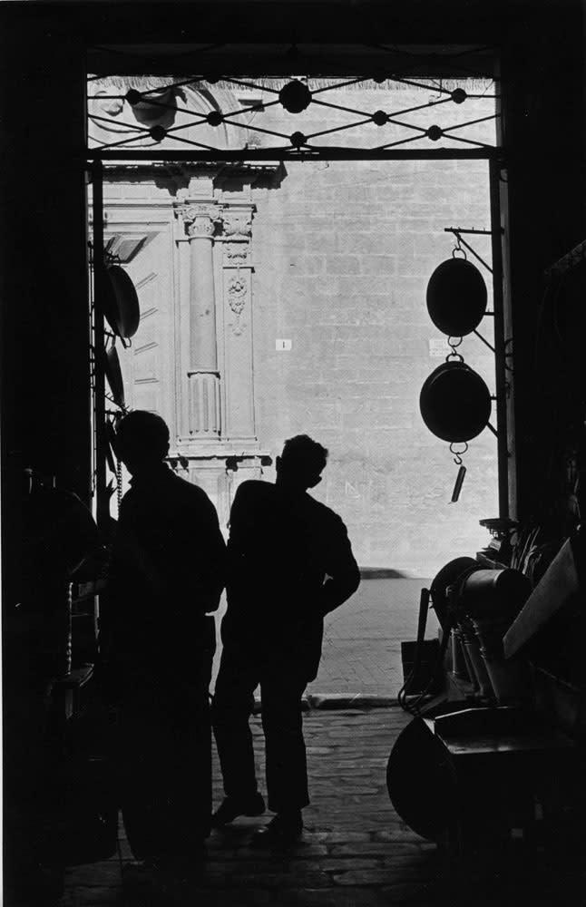 Sabine Weiss, Rue de Provence, Paris, 1954