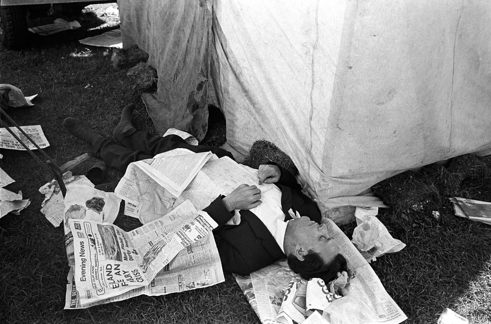 Homer Sykes, Derby Day annual horse race, sleeping off an alcoholic afternoon, Epsom Downs, Surrey, 1970