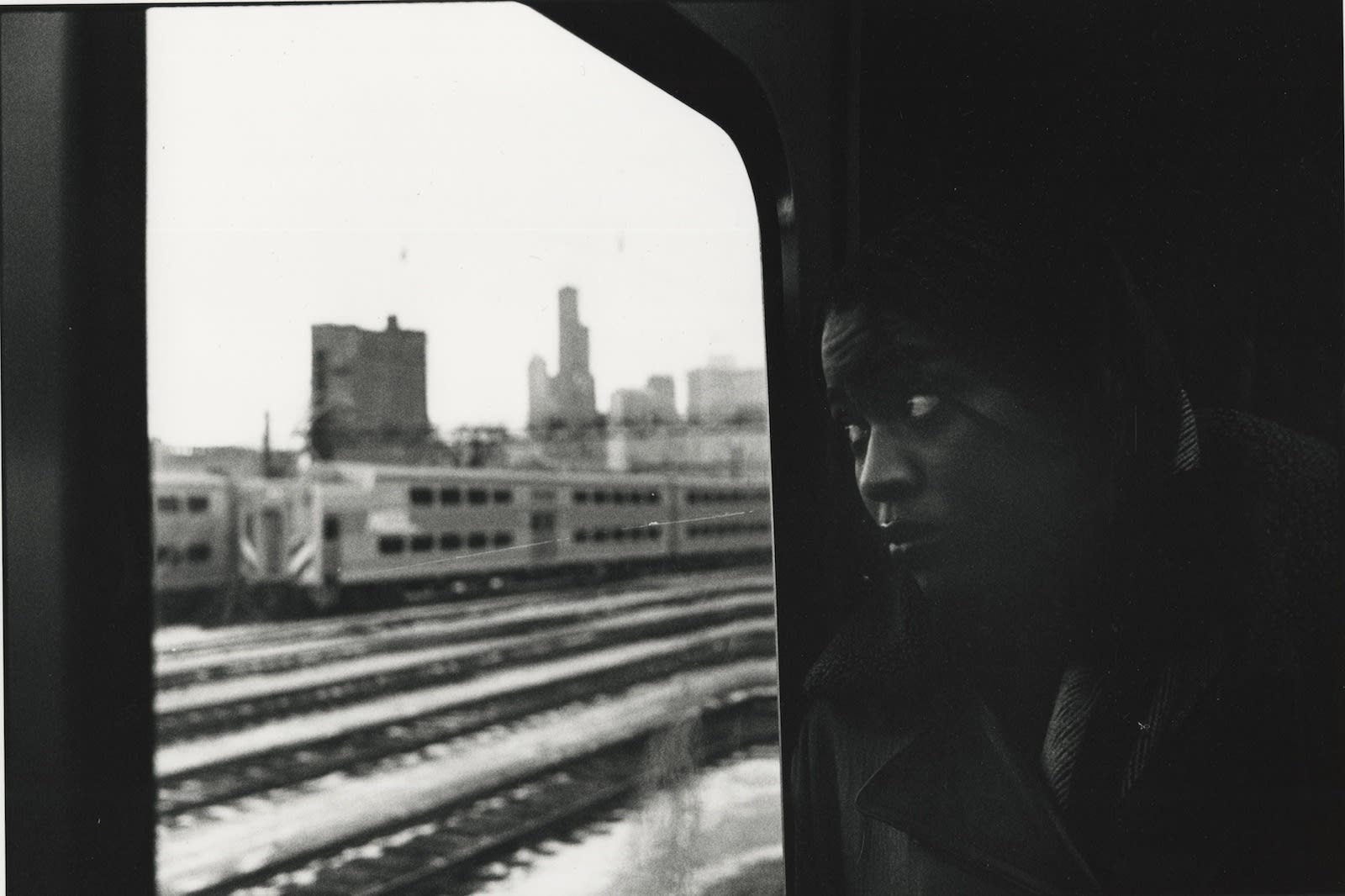 Tom Arndt, Woman on the train, Southside Chicago, 1995