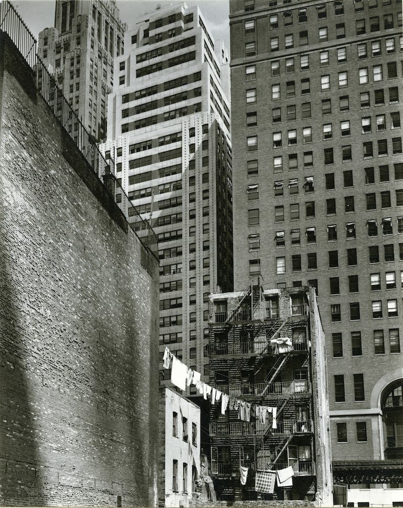 Berenice Abbott, Construction of old & new from Washington Street #37, 1936