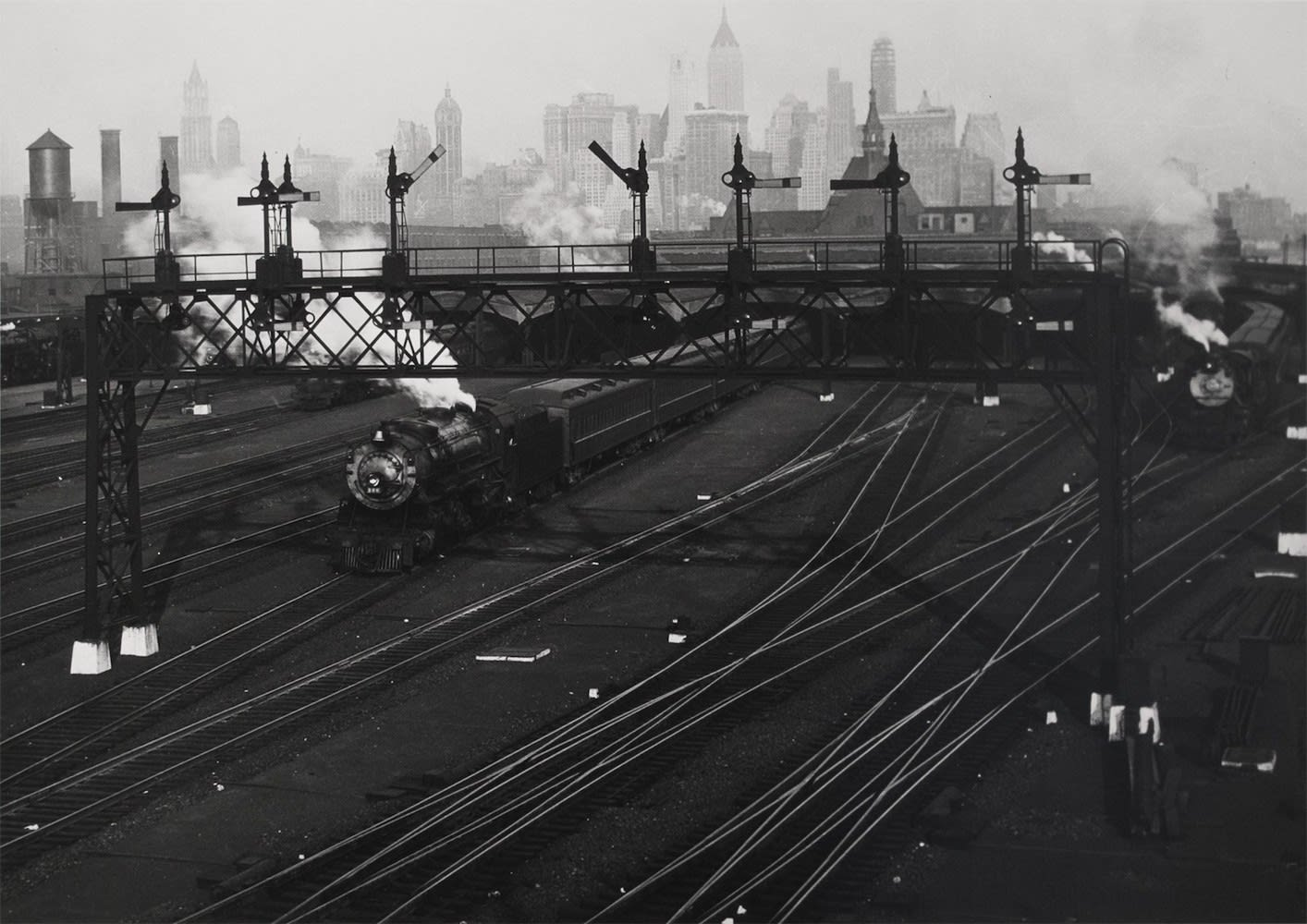Berenice Abbott, Hoboken railroad yards looking towards Manhattan, 1935