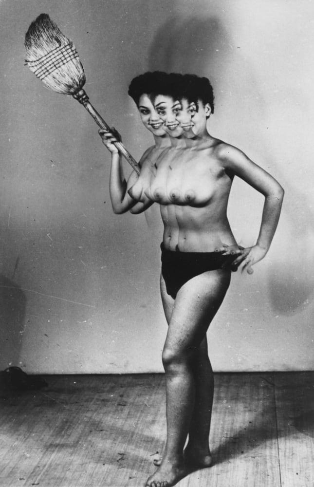 Weegee, Strange-looking girls, c. 1950