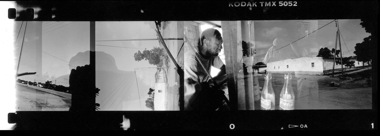 Jean-Christophe Béchet Burkina Faso, Mali Tirage jet d'encre sur papier Hahnemühle Rag Baryta 325, tirage postérieur réalisé par l'artiste Dim. papier: 40 x 60 cm