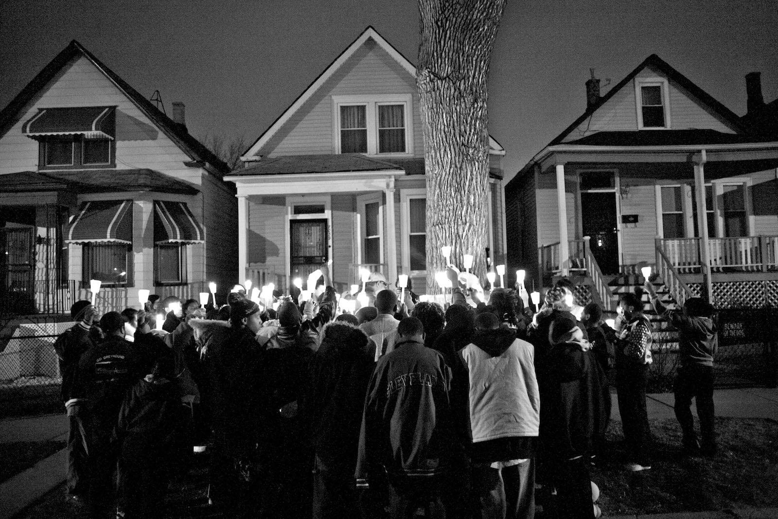 Carlos Javier Ortiz, Night Vigil, Englewood, Chicago, 2008