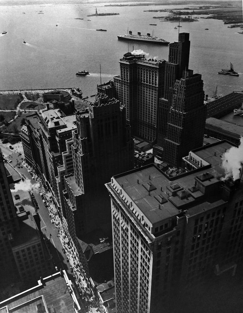 Berenice Abbott, Broadway to the Battery, New York, 1938