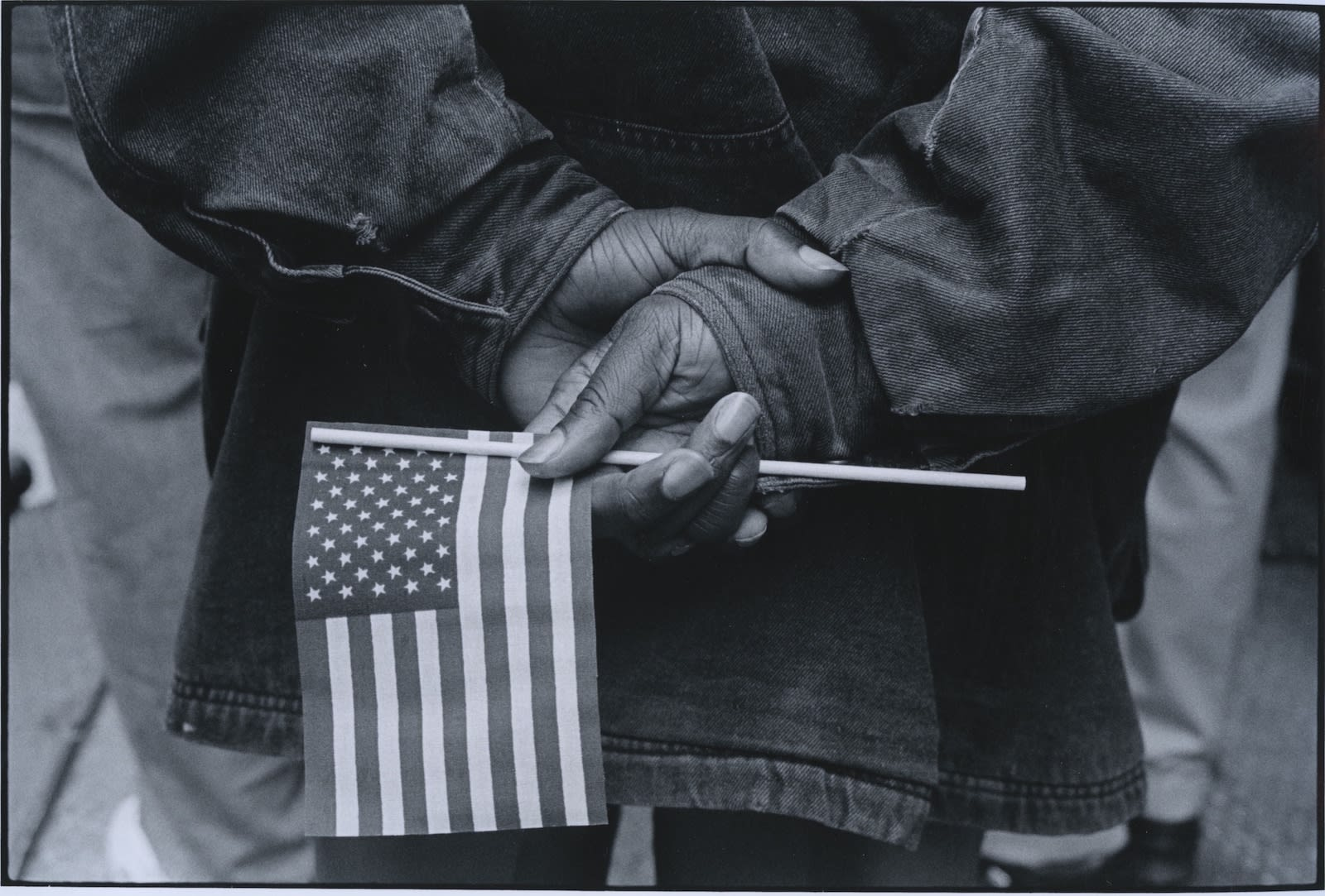 Tom Arndt, Hands with flag, Chicago, 1990