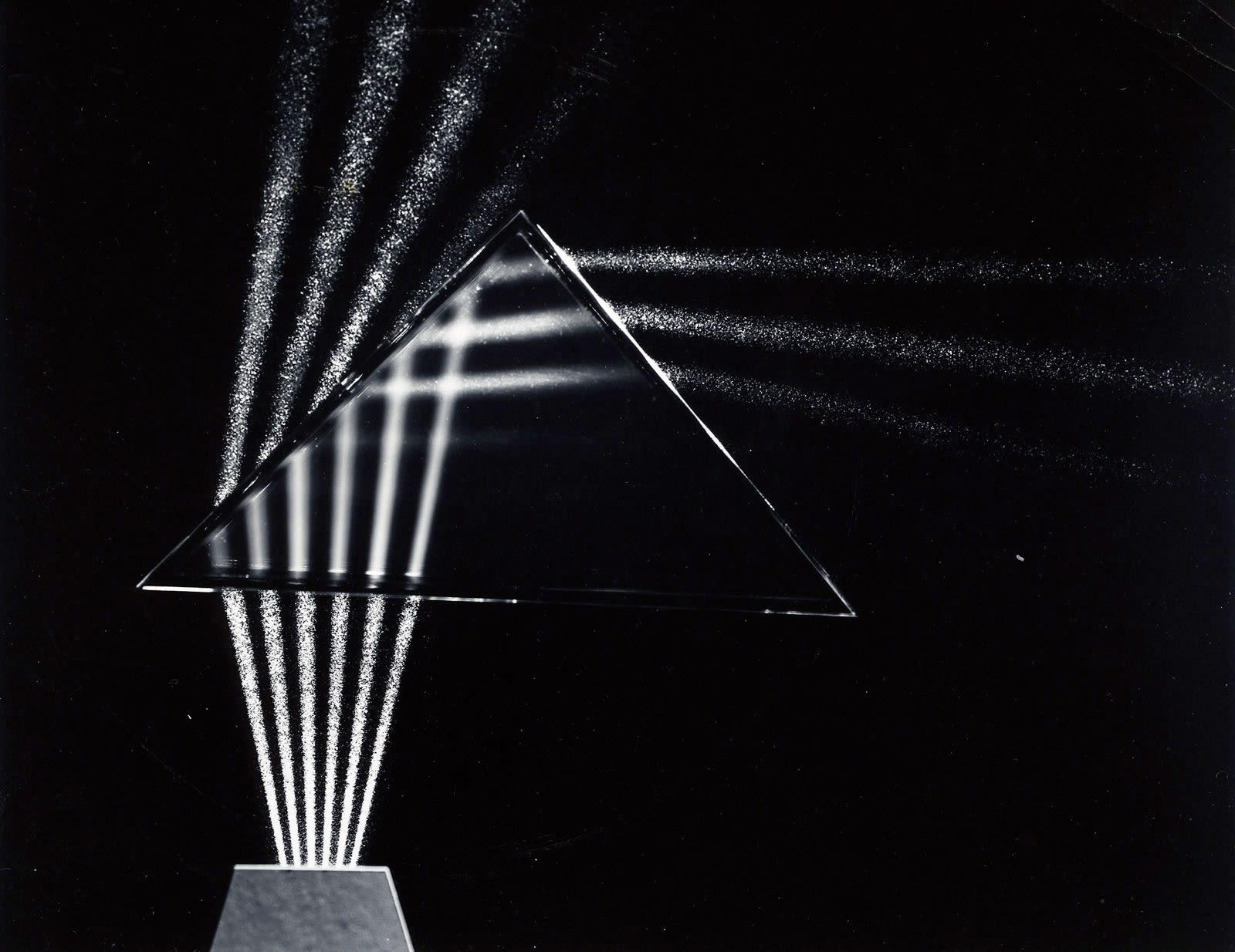 Berenice Abbott, Light through prism, Cambridge, Massachussetts, 1958-61