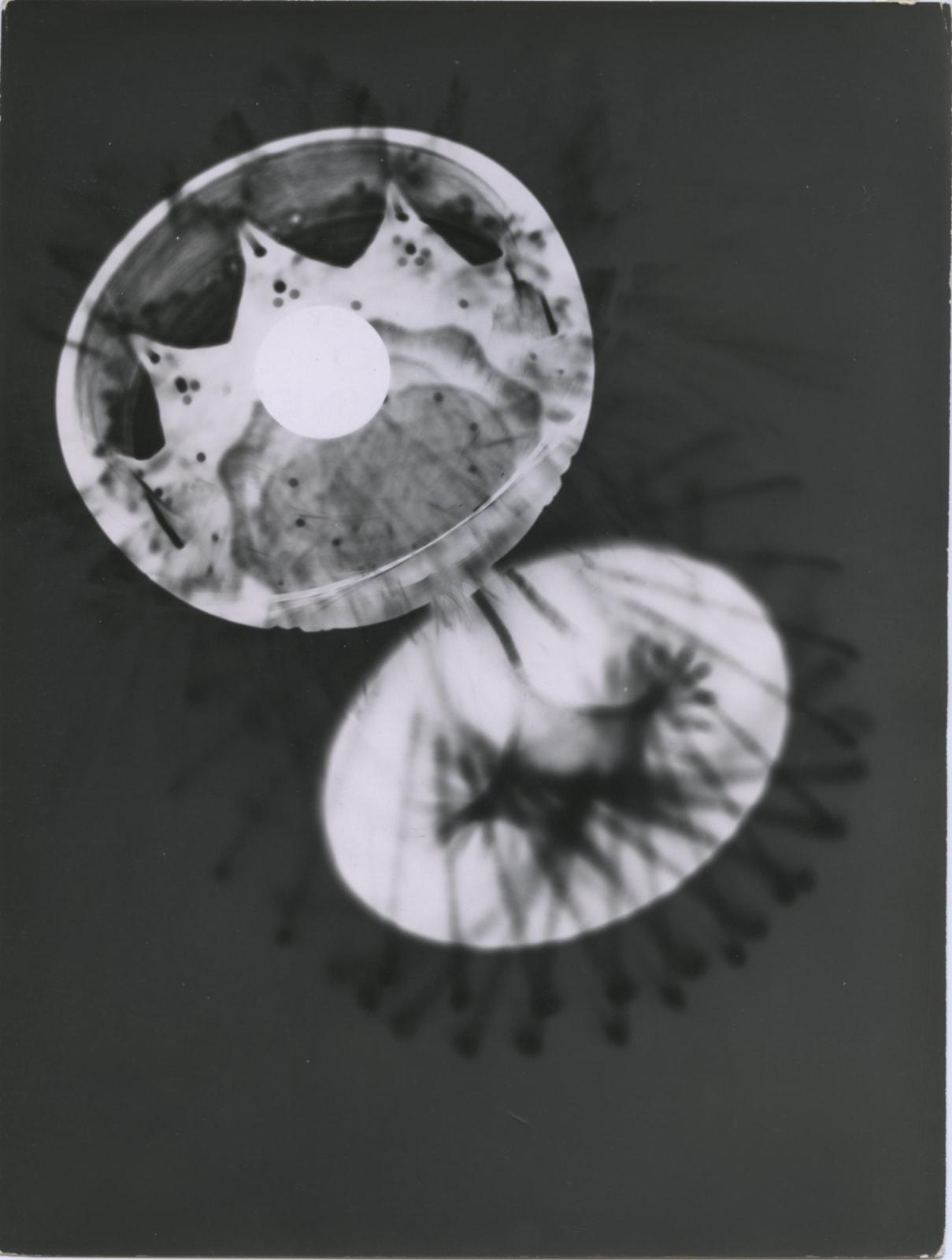 André Steiner Étude expérimentale Tirage gélatino-argentique d'époque 24 x 18,1 cm Dim. papier: 24 x 18,1 cm