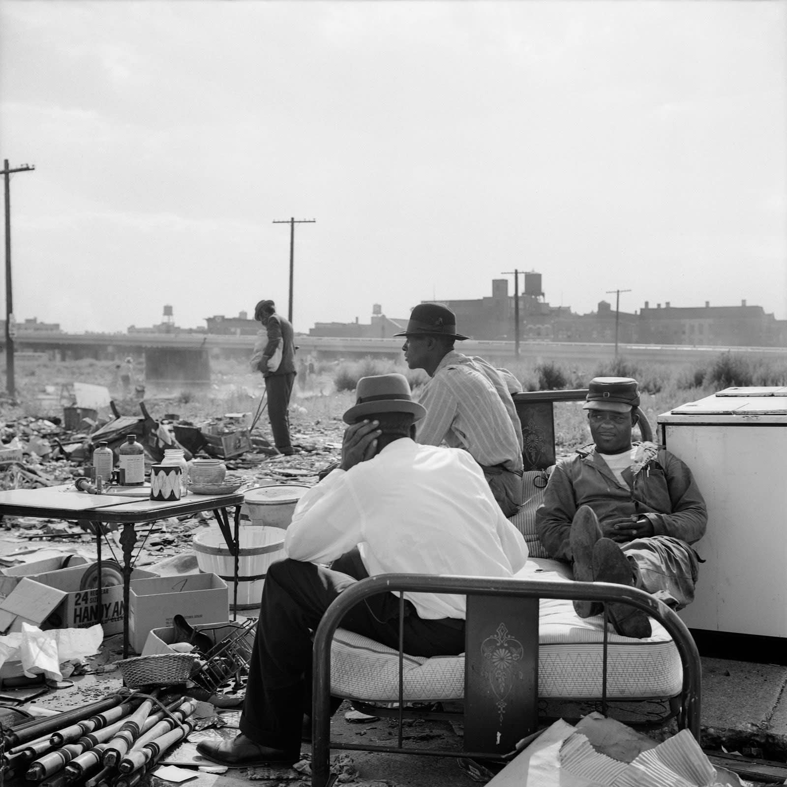 Vivian Maier, Maxwell Street, Chicago, IL, 1962