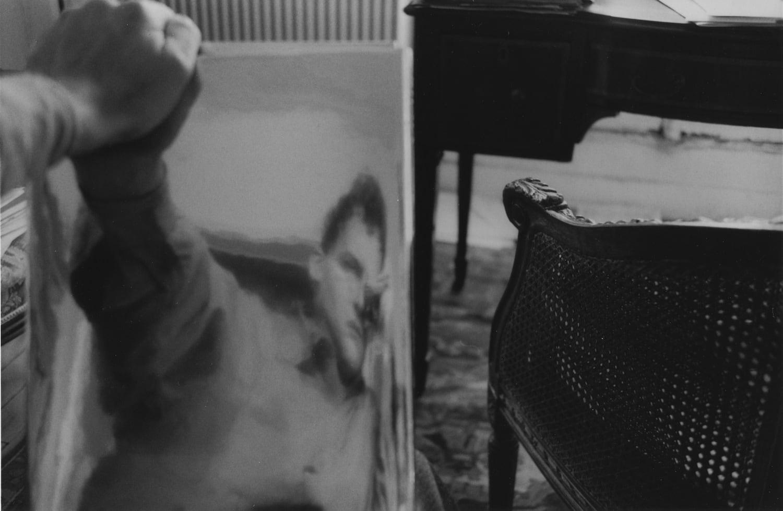 Hervé Guibert Autoportrait à la chaise Tirage gélatino-argentique d'époque 14.7 x 22.5 cm Dim. papier: 23,7 x 30.5 cm