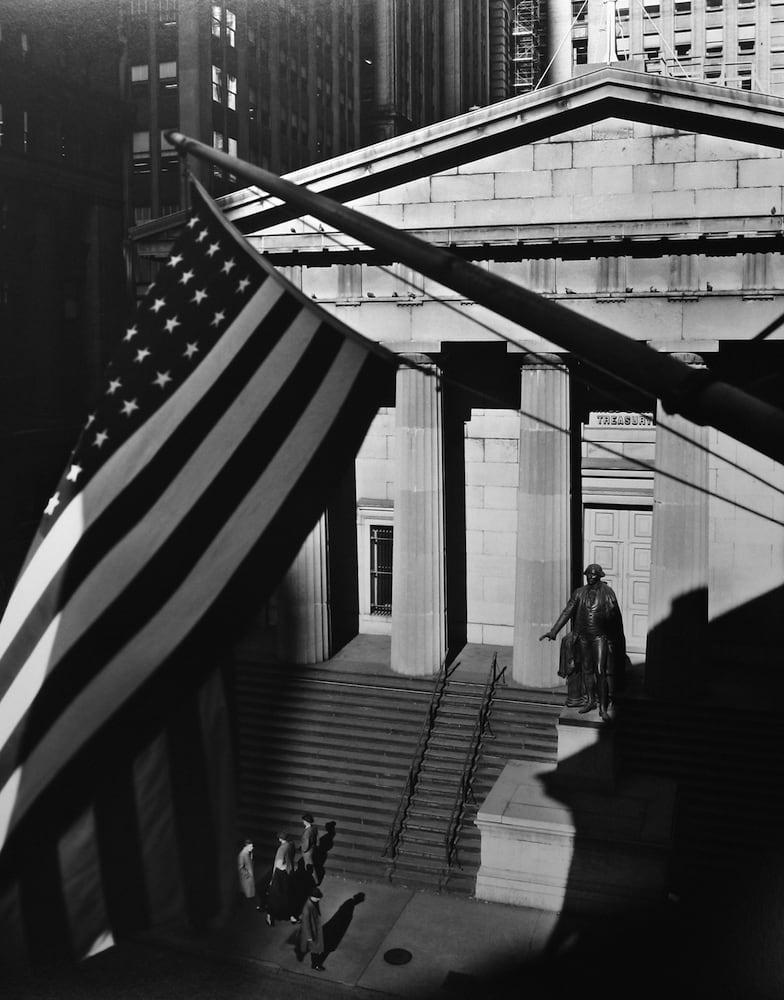 Berenice Abbott, Treasury Building, New York, 1957