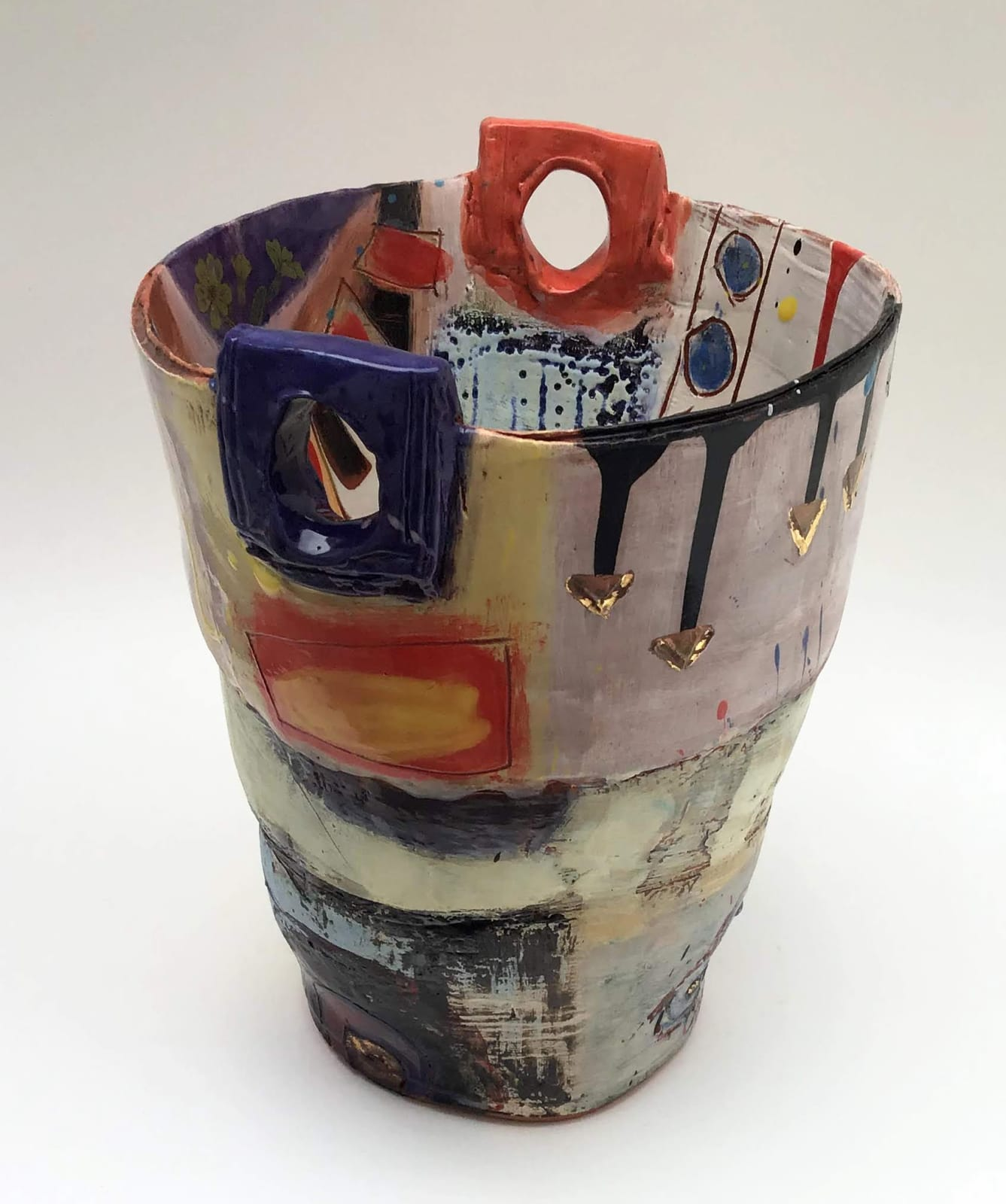 Linda Styles, Vase Form with Chunky Hole Handles, 2020