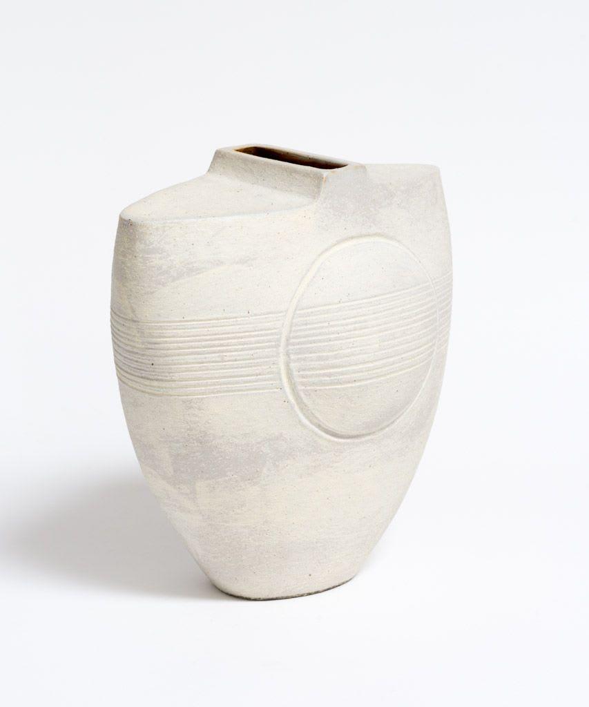Wayne Ngan, White Vase with Circle and Lines, 2016