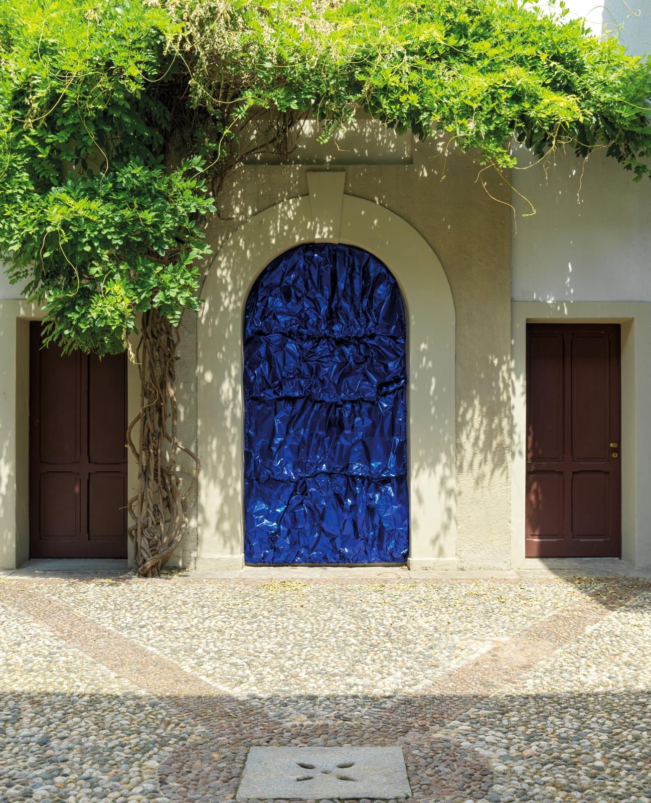 Tiziana Lorenzelli, Cobalt Blue Installation, 2021