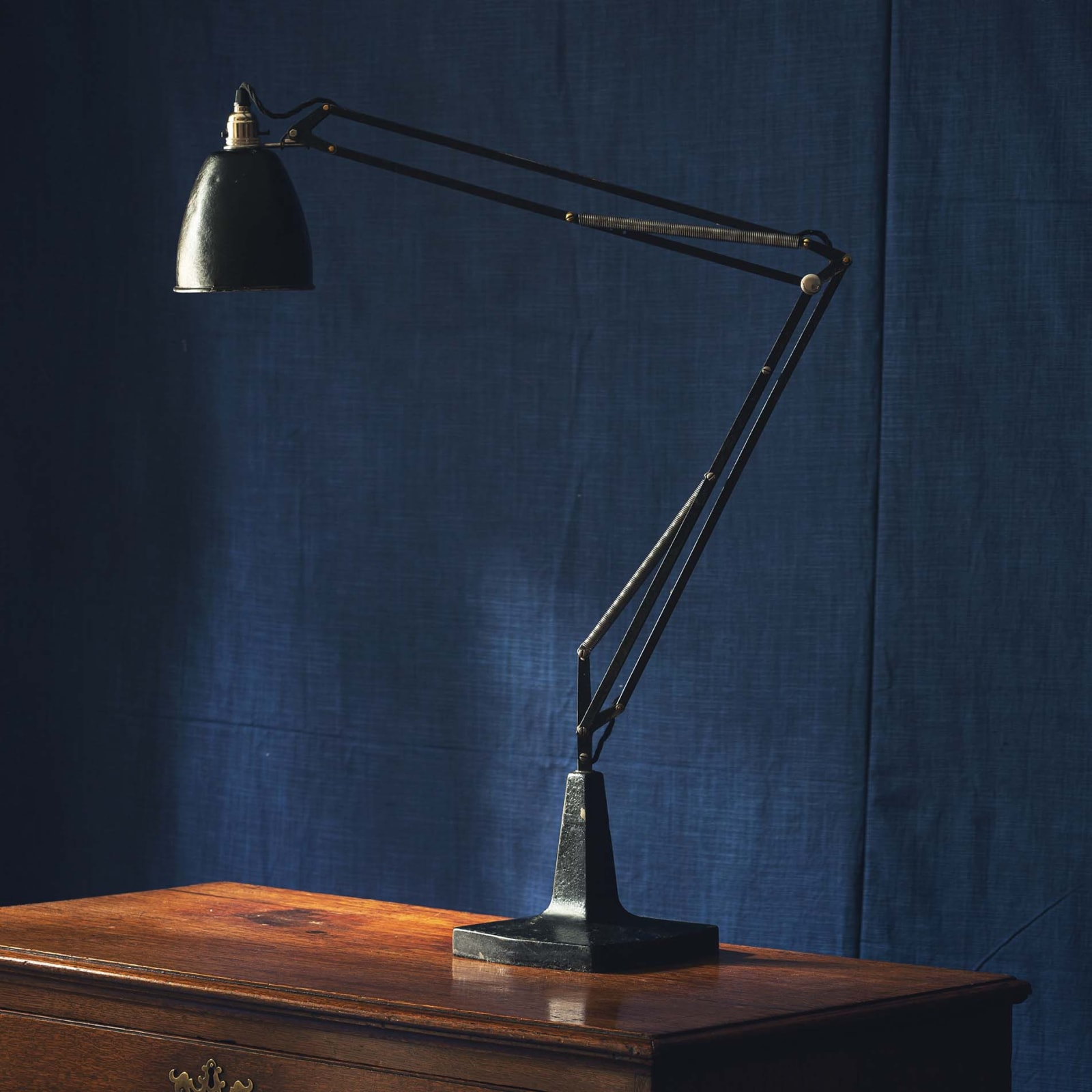 Articulated Reading Lamp
