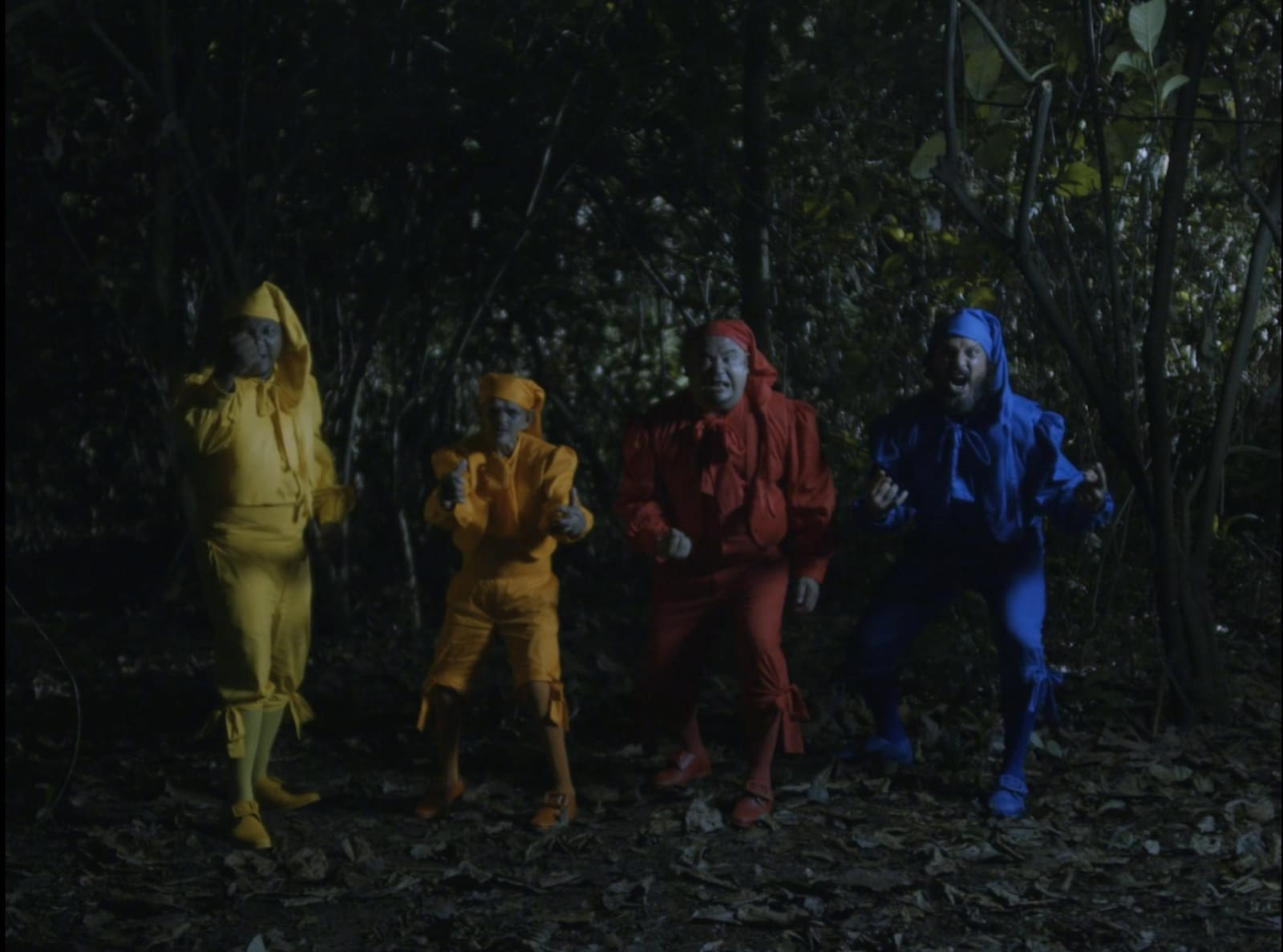 Scene 3 : A cross-cultural encounter with the orang minyak (Malay monsters)