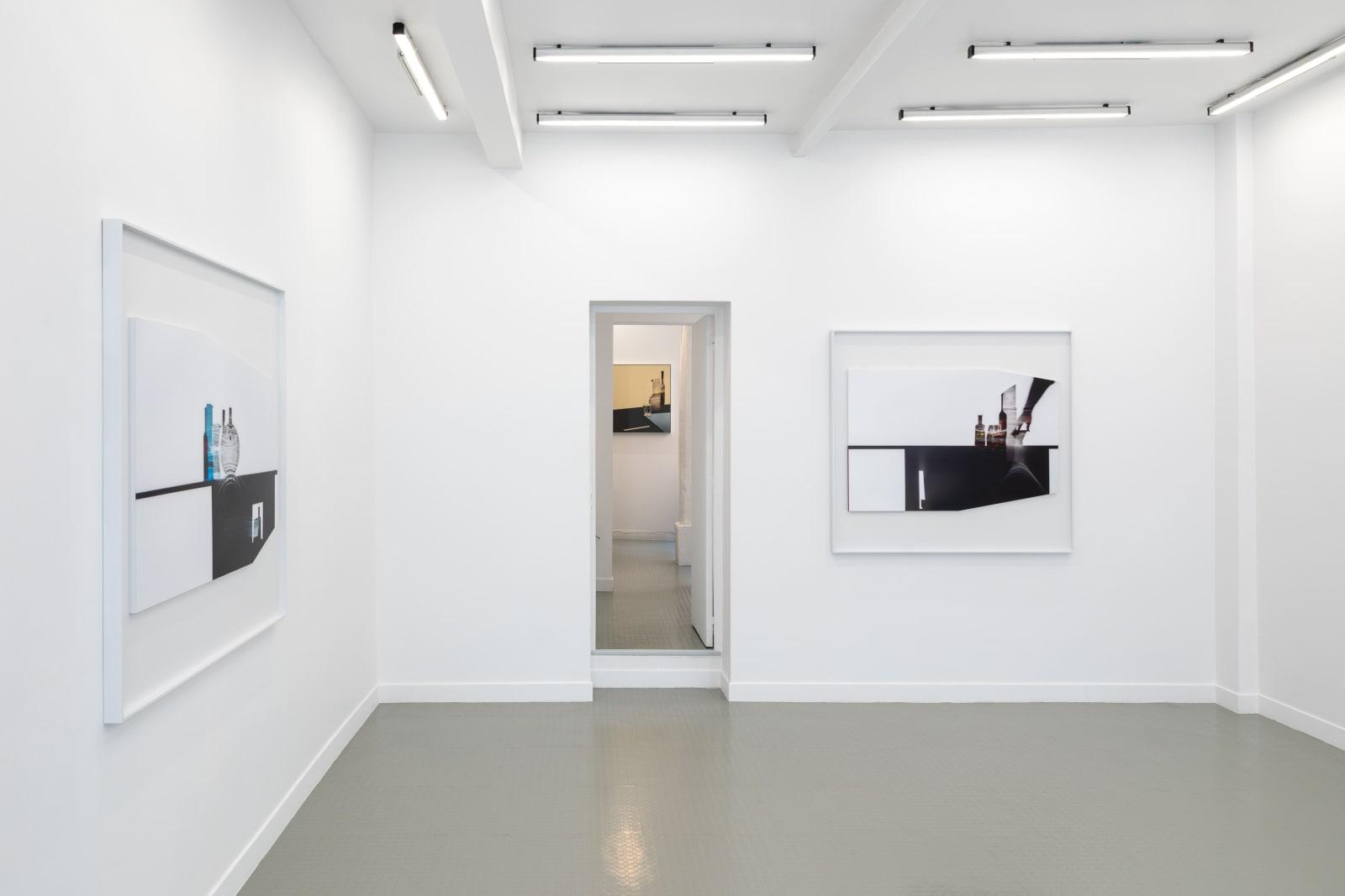 Uta Barth Installation view, Andréhn-Schiptjenko, Paris, France, 2021.