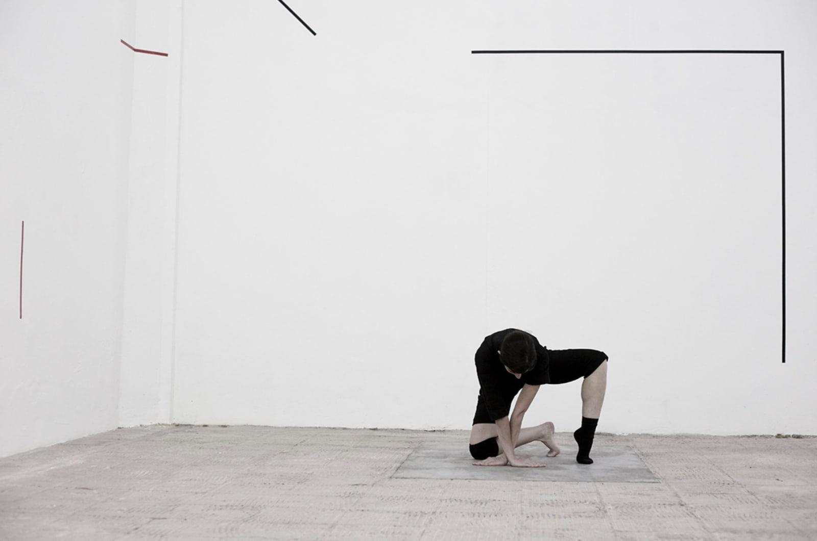 Maria Noujaim, No language, 2018 performed at Galeria Jaqueline Martins, São Paulo, 2018