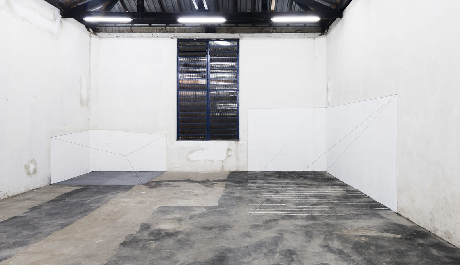 Inside, what exists outside installation view at Galeria Jaqueline Martins, São Paulo, 2017